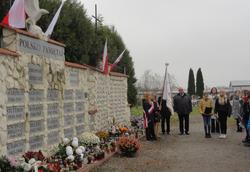 Uczniowie Szkoły Podstawowej w Dominowie pamiętają o Święcie Niepodległości